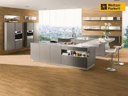 parkett k che küche parkett schützen logisting varie forme di mobili