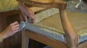 comment retapisser un canapé acheter mousse pour fauteuil voltaire