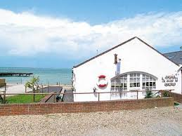 Holiday Cottages Isle Of Wight by English Country Holiday Cottages In The Isle Of Wight With Cycle