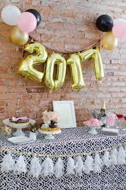 New Years Eve Table Decorations Ideas by 5 Easy New Year U0027s Eve Party Ideas