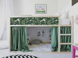 14 maneras fáciles de facilitar somieres ikea ideas para ganar espacio en el cuarto de los peques la cama kura de