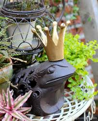 Country Garden Decor Cast Iron Frog Prince Charming Brown Rustic King Toad With Golden