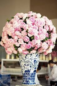 Decorate A Vase Decorate Flowers Decorative Flowers