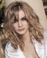 short loose wave hairstyle lovin these loose waves summer hair loose waves and curls are