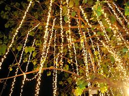 non tacky ways to decorate with lights year