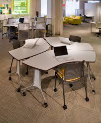 Computer Lab Tables And Chairs Enlite Tables And Strive Chairs Make Reconfiguring Classrooms Easy