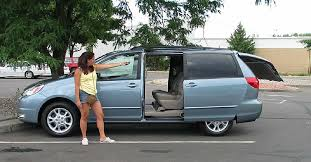 toyota minivan 2004 toyota sienna information and photos zombiedrive