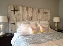 Wood Headboards For King Size Beds by Best 25 King Size Headboard Ideas On Pinterest Farmhouse Beds