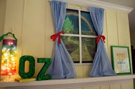 Oz Curtain Little Happies Emerson U0027s Wizard Of Oz 2nd Birthday Party