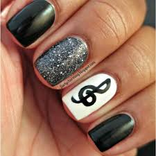 26 beautiful black and white nail designs for short nails