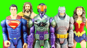 batman v superman large figure pack with superman aquaman