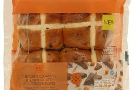hot buns review review m s salted caramel and chocolate hot cross buns