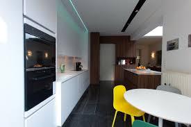 plan de travail noyer terra architectes de la cuisine