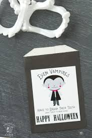 cute non candy halloween treat idea and free printable the polka