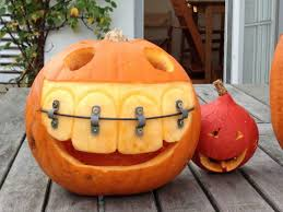 Pumpkin Carving Meme - this is what a dentist s pumpkin looks like funny halloween