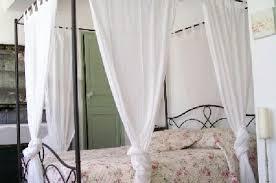 chambre d h e coquine le lit de la chambre la coquine photo de villa de lorgues