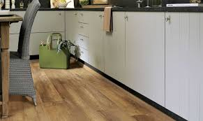 Laminate Flooring Surrey Balterio Senator 7mm Barn Oak Laminate Flooring 328