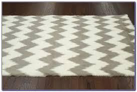 Faux Fur Area Rugs Faux Sheepskin Area Rug Canada Rugs Home Design Ideas Wj9lpym9gd