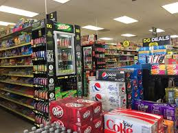 dollar general is defying the retail apocalypse and opening 1 000