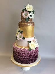 Wedding Cake Stand Hire Berkshire Vanilla Spice Cake Company L
