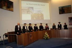 Defending your PhD thesis  the Dutch way   Marian van Bakel