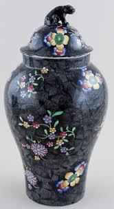Spode Vases Spode Chinese Figures Black With Colour Vase With Cover C1917