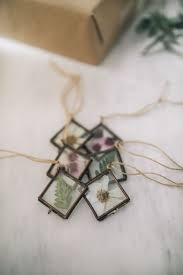 diy pressed flower ornaments the blondielocks style