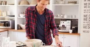 faisant l amour dans la cuisine 10 bonnes raisons de faire l amour dans sa cuisine cuisine az