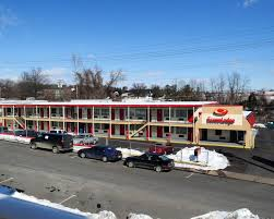 Aberdeen Barn Charlottesville Econo Lodge North Charlottesville Va Booking Com