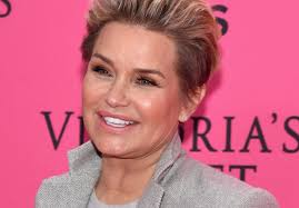 yolanda foster s hair style yolanda foster changing last name back to hadid but why