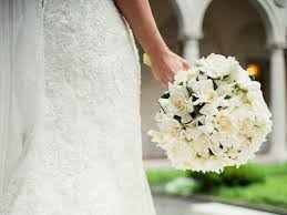 bridal bouquet cost wedding flowers symbolic meanings