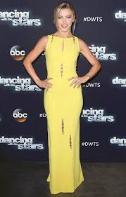 how does julienne hough style her hair julianne hough s yellow dress from dancing with the stars