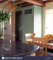 Cottage Pine Furniture by Pine Table And Chairs In Modern Cottage Kitchen With Granite