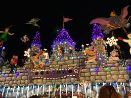 when does the great christmas light fight start a dole whip a day 2015