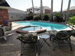 The Backyard Grill Houston Tx by Executive Home Tropical Pool U0026 Spa Whimsical Homeaway Pearland