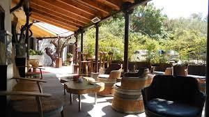chambre d hote fontjoncouse terrasse du restaurant photo de auberge du vieux puits