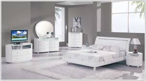 White Gloss Bedroom Furniture Sets Uk Bedroom  Home Decorating - White high gloss bedroom furniture set