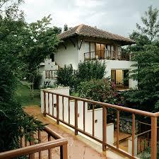 5 star resorts in chitwan meghauli serai a taj safari lodge