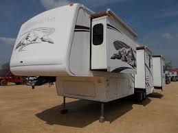 1 bedroom trailer 2006 montana travel trailer s n d518598 4 slide outs 1