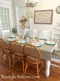 Dining Room Table Settings by Simple Gold And Green Christmas Dining Table Setting