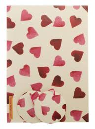 heart wrapping paper bridgewater pink hearts wrapping paper whsmith