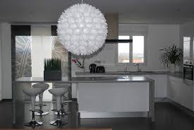 cuisine blanche et mur gris beau cuisine blanche et grise et cuisine indogate gris et bois