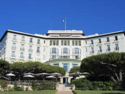 hayseeds check into the grand hotel du cap polloplayer