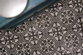white and black mosaic floor tiles design ideas