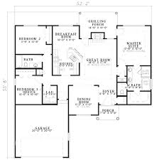 traditional style house plan 3 beds 2 baths 1560 sq ft plan 17