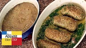 cuisiner des andouillettes andouillettes à l ancienne pomme boulangère confite au bouillon de