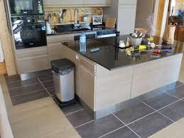 plinthe sous meuble cuisine enchanteur plinthe cuisine inox avec plinthe sous meuble cuisine