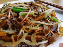 cuisiner des pates chinoises recettes d une chinoise pâtes de riz sautées avec boeuf 干炒牛河