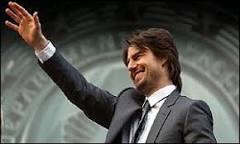 Milhares de fãs prestigiam Tom Cruise em Londres | BBC Brasil ...