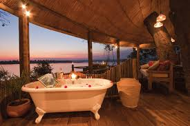 tree house accommodation zambezi river
